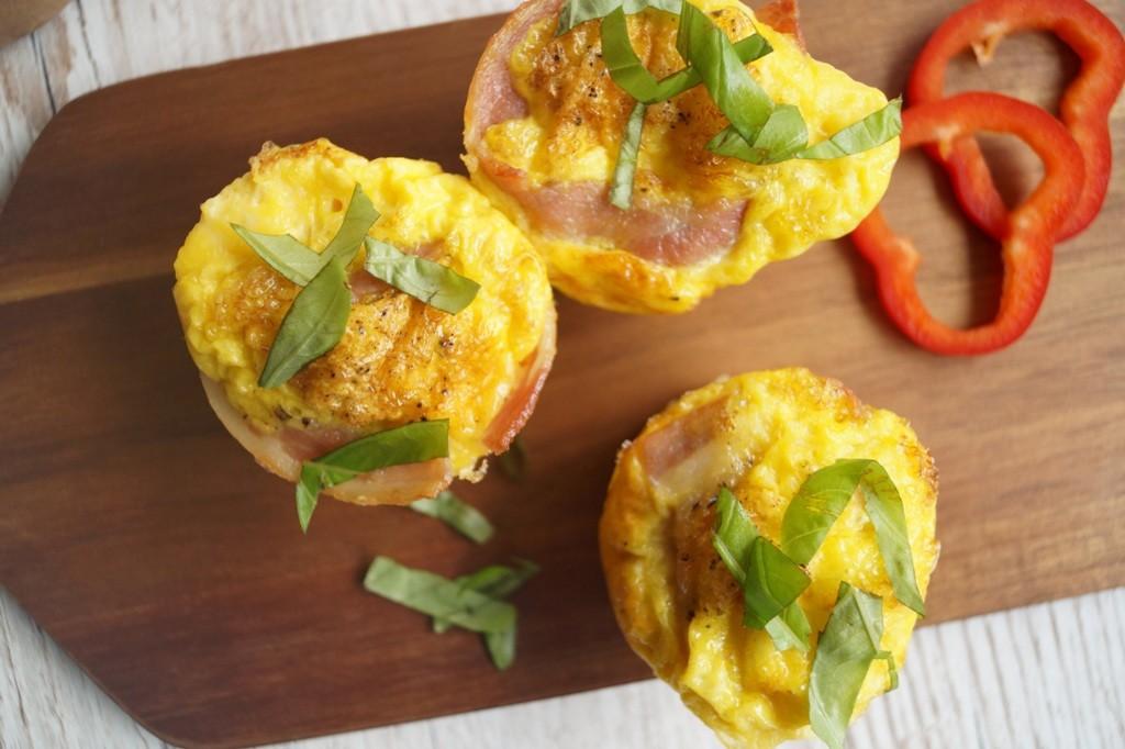 Æggemuffins med bacon