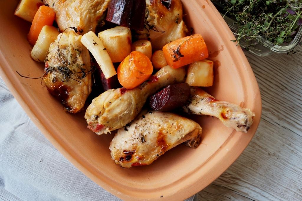 Kylling og rodfrugter i stegeso