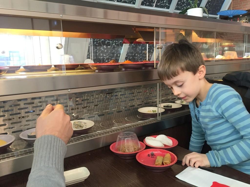 Nyu Sakura – børnevenlig running sushi