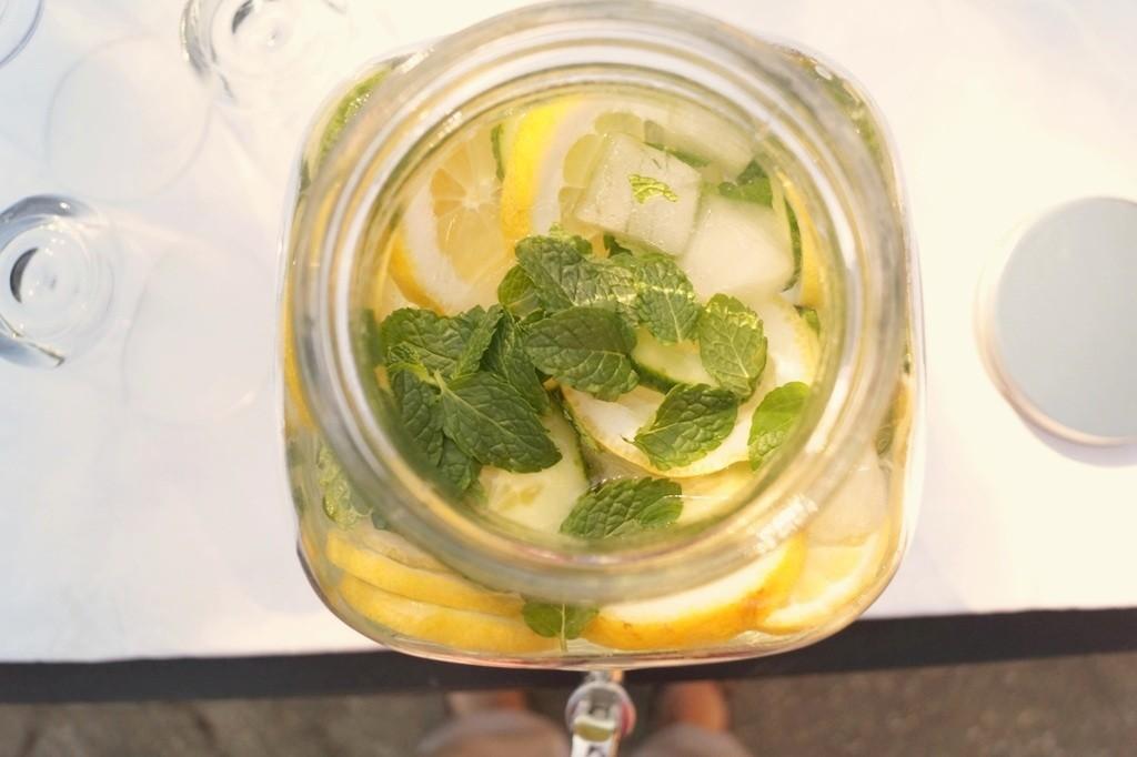 Agurkevand med citron og mynte