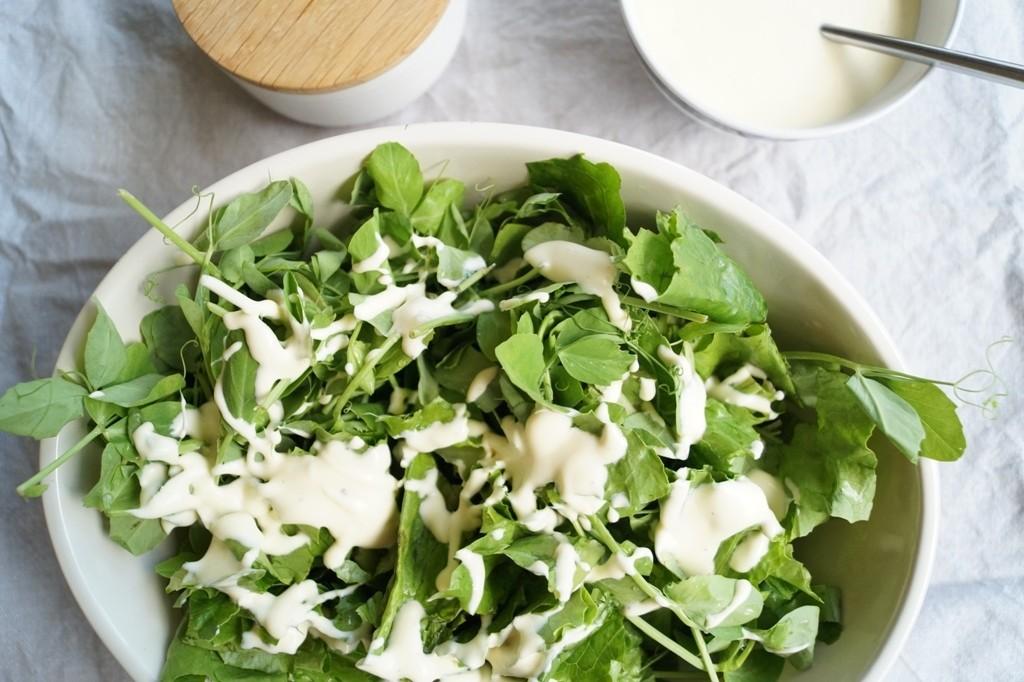 Grøn salat med mormordressing
